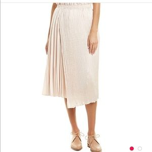 Vince pleated champagne skirt